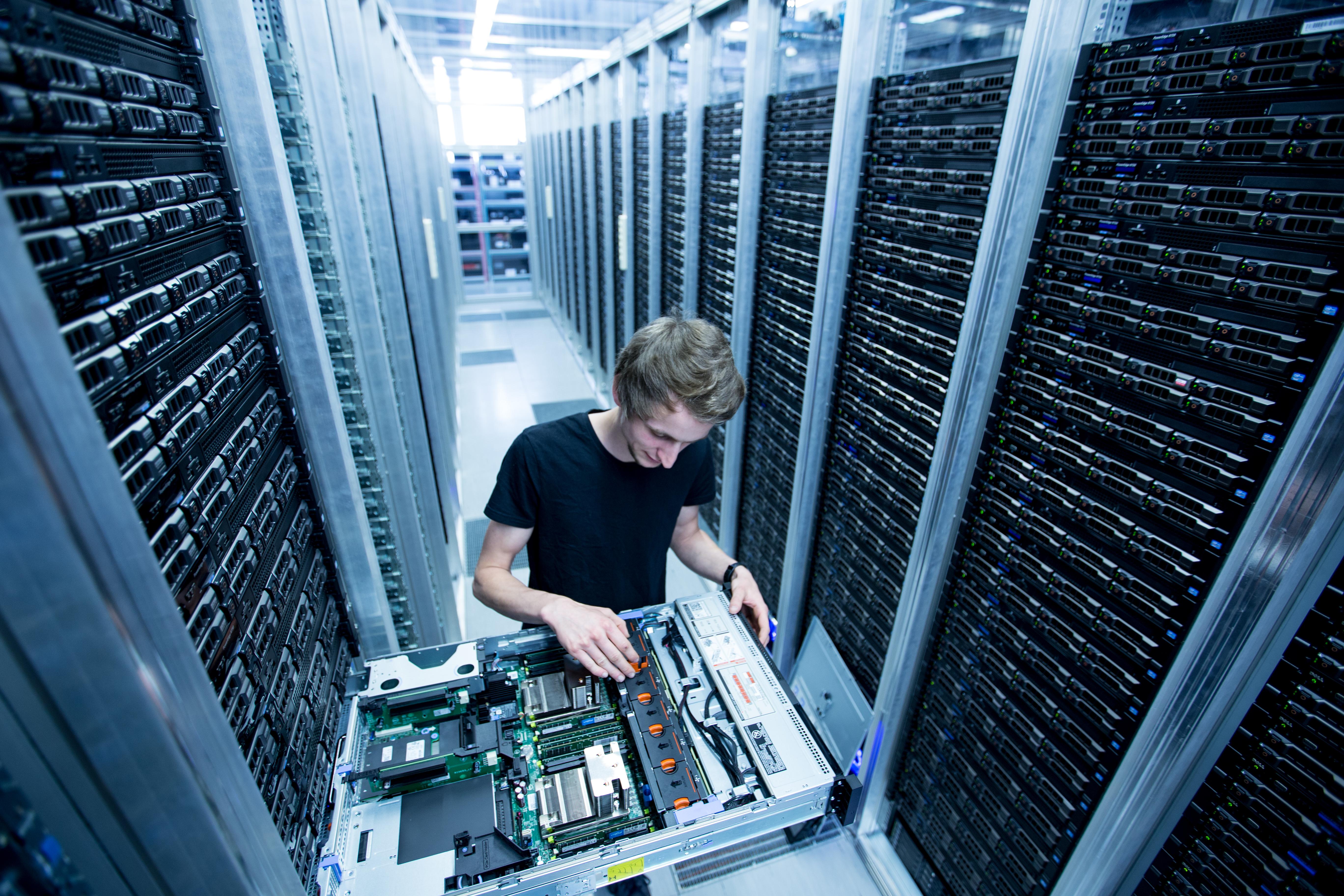 какой лучший хостинг для серверов
